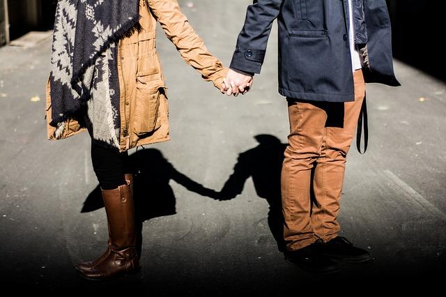 面白い記事を紹介します。 「恋愛結婚が当たり前」だった時代の終焉と、これから