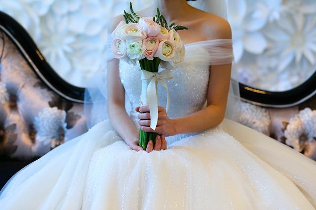 【書籍紹介】『なぜ幸せな恋愛・結婚につながらないのか』、『損する結婚 儲かる結婚』