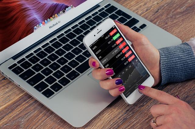 ワイモバイルが、「他社が販売するiPhoneなどの携帯電話をワイモバイルで利用する(テザリングが利用可能)」と題して、端末の購入を伴わない新規契約を受け付けています。