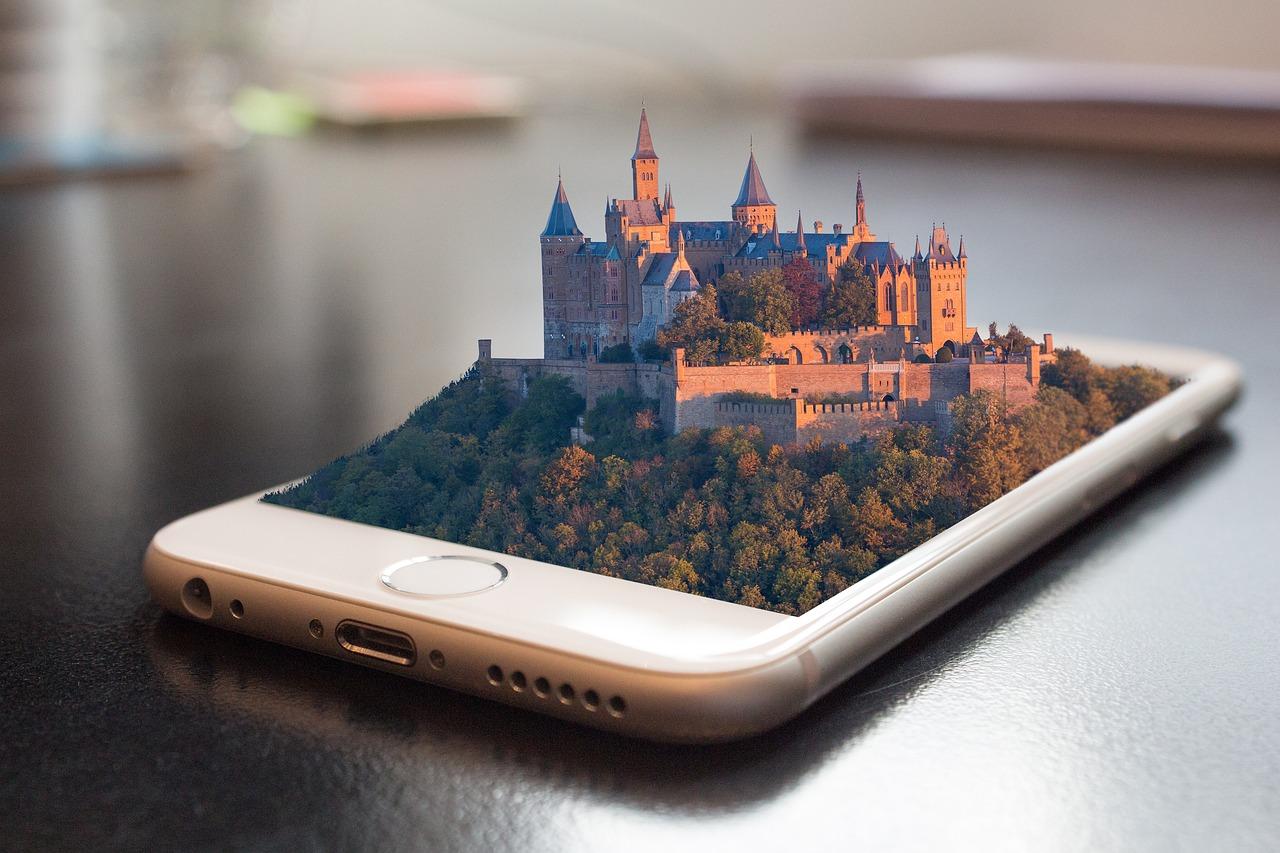 今朝、Appleが新型iPhoneを発表したが。。。Macより高いスマホなんて、誰が買うか。