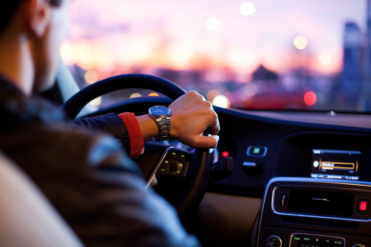NTTドコモが、車内向けインターネット接続サービス「docomo in Car Connect」を2019年9月10日より提供を開始すると発表。